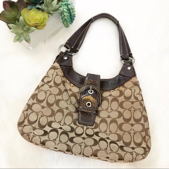 Coach Handbags - Coach Soho Lynn hobo signature bag